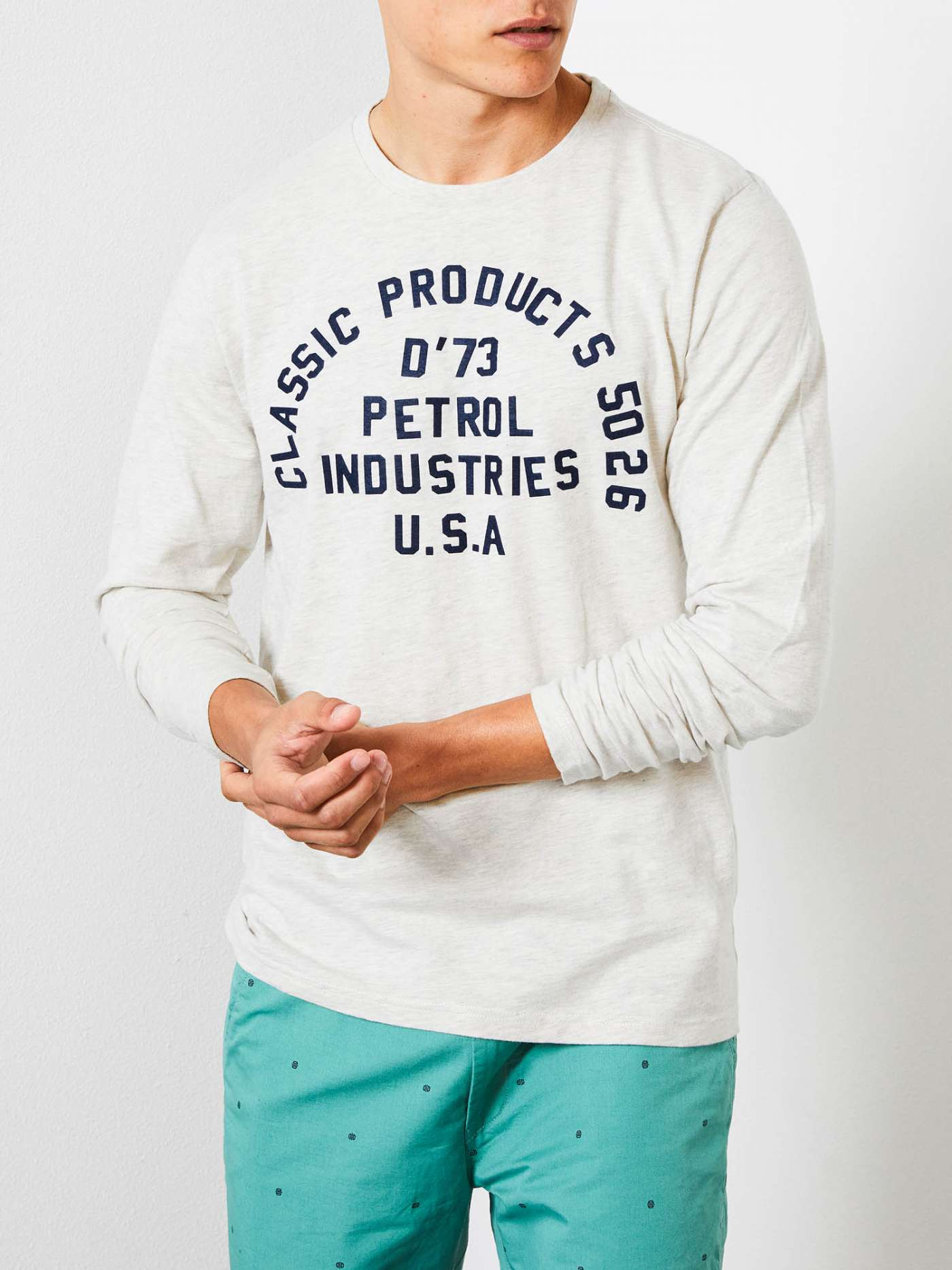 Long-sleeved T-shirt with logo print