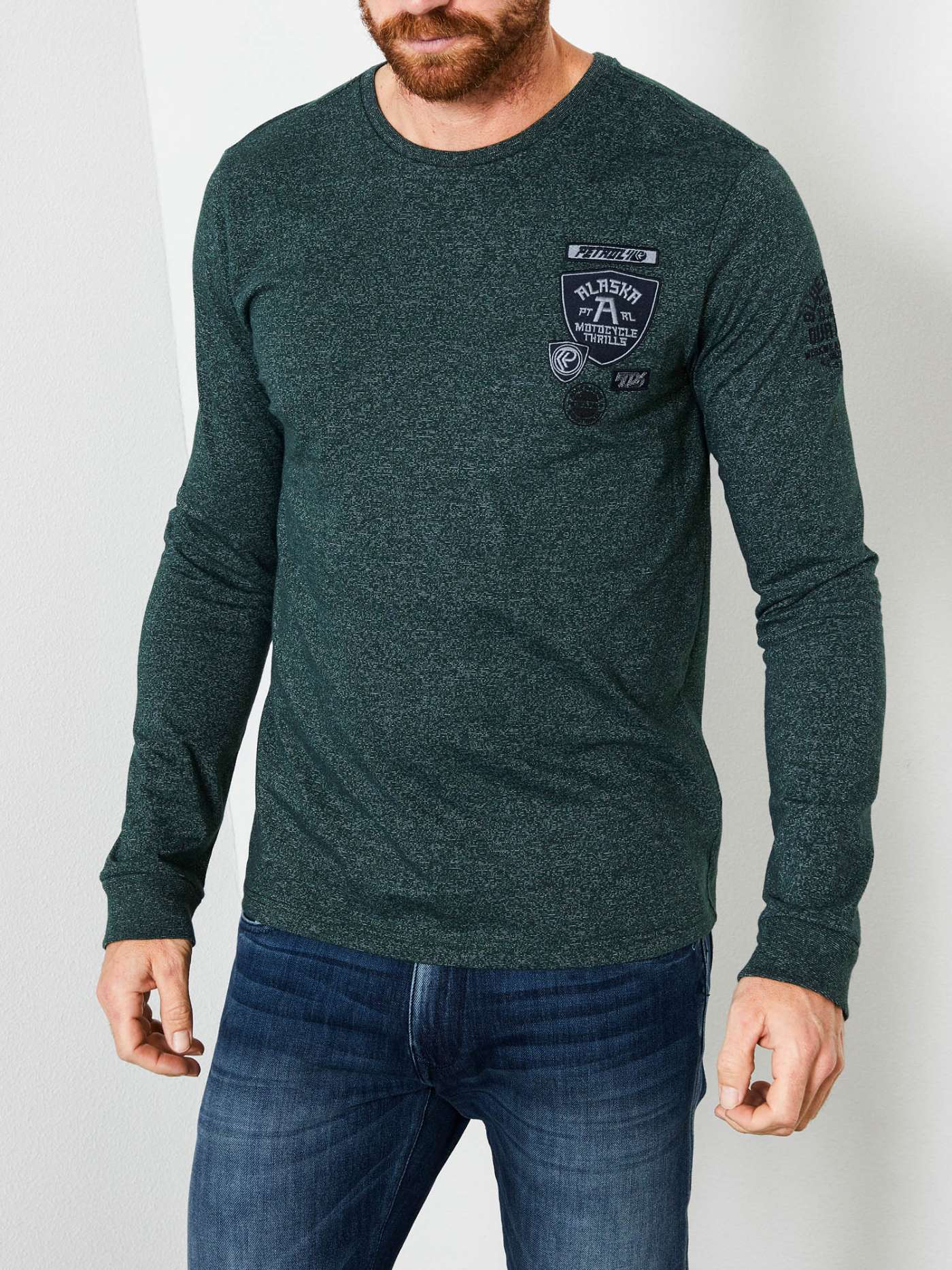 Long-sleeved shirt with patches