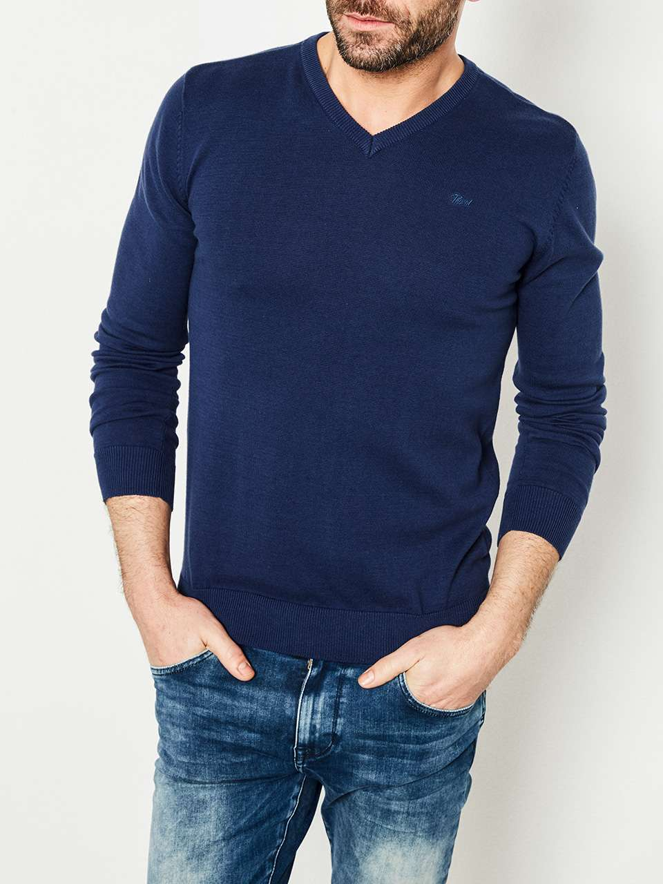 Knitwear V-Neck Basic Collection