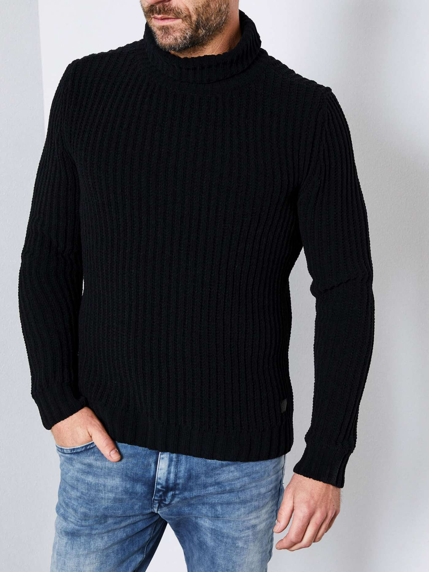 Chunky-knit Turtleneck