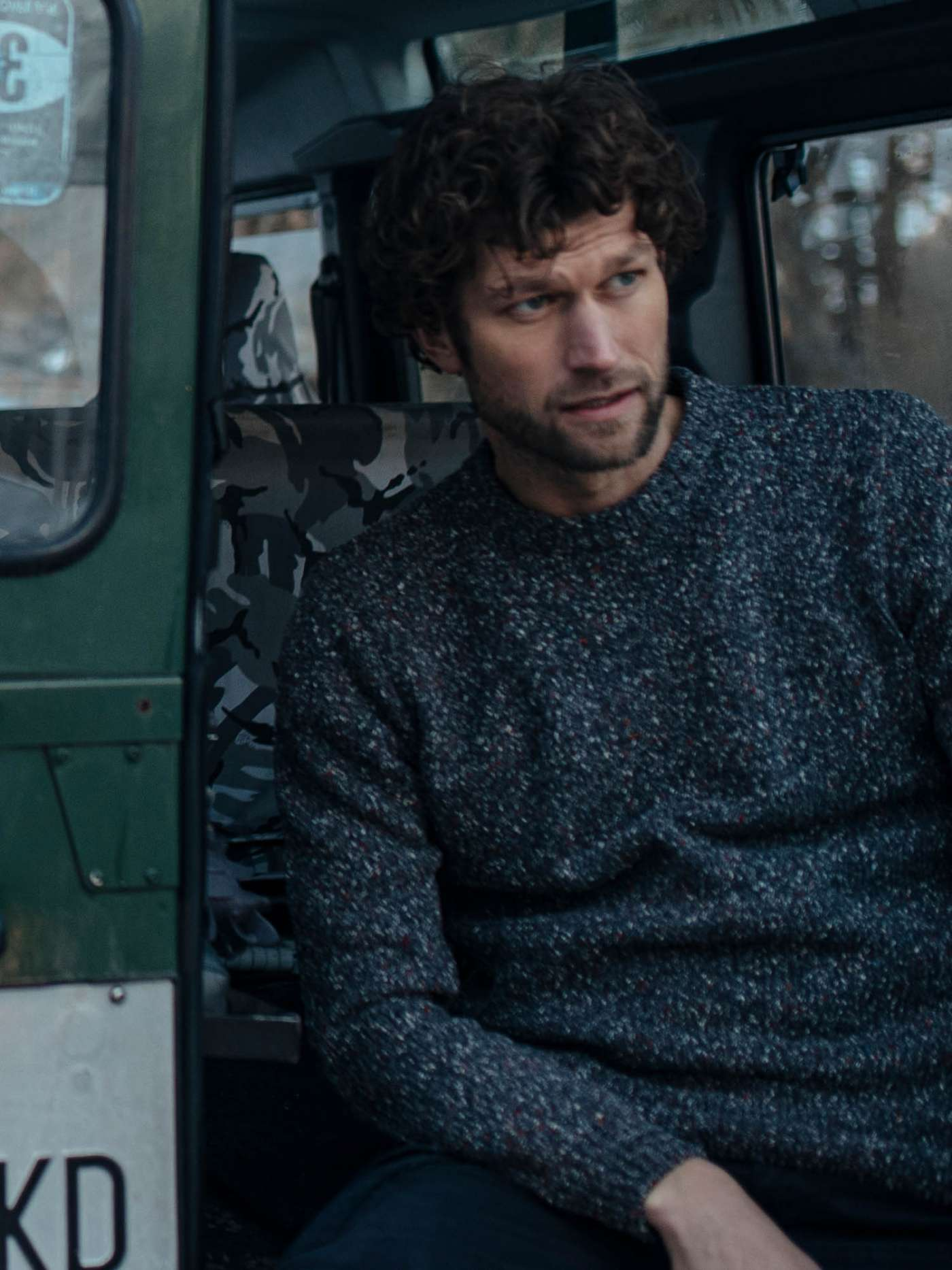Chunky-knit pullover