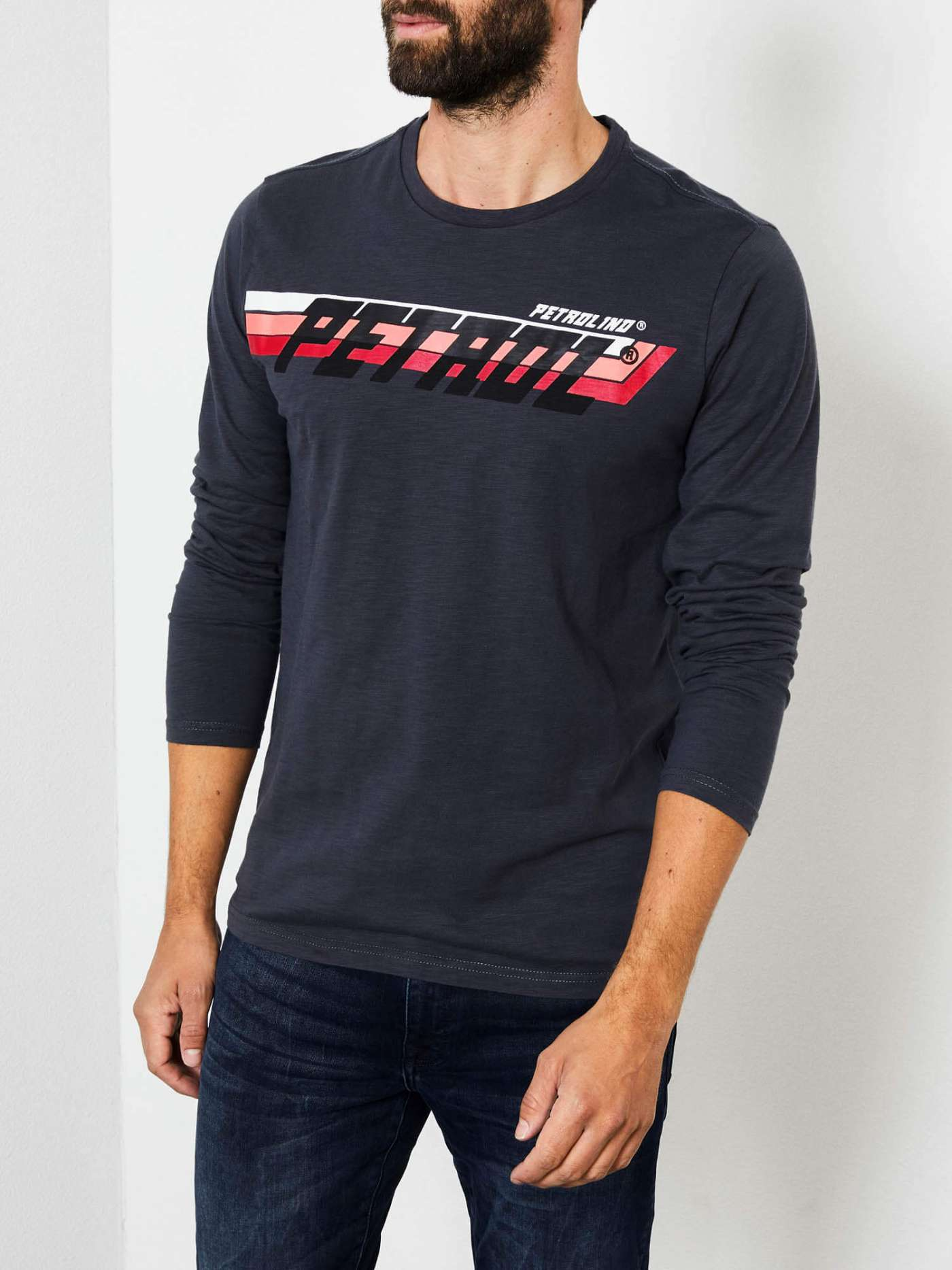 Long-sleeved shirt with racing detail